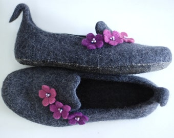 Felted slippers wool slippers grey with purple flowers, Custom made colors, any sizes made especially for you