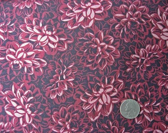 Light and Dark Maroon Tones Older Cotton Fabric, Quilt Cotton, Jinny Beyer for AJR, Fat Blossoms Pattern