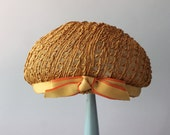 1950s Hat / Vintage 50s Golden Straw Hat / Fifties Braided Bow Hat