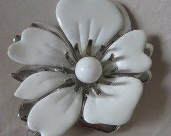 Flower White Silver Brooch Enamel Vintage Pin Sarah Coventry
