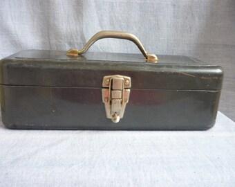 Vintage Metal Tackle Box, Fishing box, green lockable metal box, hobby box, organizer, storage