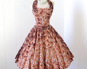 Vintage 1950's dress ...classic KAMEHAMEHA hawaiian cotton gradient floral convertable HALTER boned bodice full skirt pin-up dress