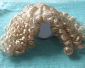 Doll Wig Shirley Temple style Curly Curls size 10 blonde synthetic Wig / BJD Blythe READY to SHIP