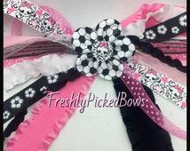 Skull Soccer Streamer Pony O black pink white Bow