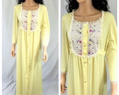 Vintage Yellow Vanity Fair Nightgown. 1970s. Floral. Antron Nylon. Size 34. Maxi. Robe. Nightie. Lingerie. Nylon Gown.