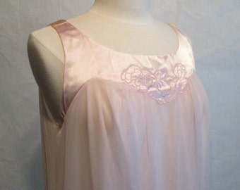 Vintage Blush Pink Nylon Babydoll Nightgown Small