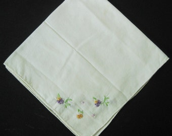 Vintage White Hanky/Handkerchief With Tiny, Delicate Embroidered Flowers In Each Corner