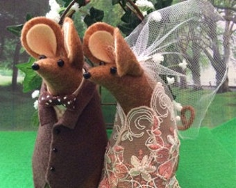 Mr and Mrs Mouse Wedding Cake Topper with a little color  soft sculpture