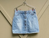 90s vintage High Waist Button-Down Faded Denim Jean Skirt / Moda International