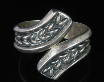 Clamper Bracelet, Mexico, Sterling Silver, Hinged Cuff, Elongated, Bead Shape Design, Studded Back, Mexican Made Bracelet, TA-164