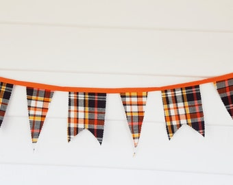Halloween Plaid Bunting- Orange and Black fabric Banner- Fall Autumn decor- Halloween Party Decoration- Pennant Double Sided #217