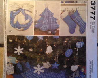 McCalls 3777 A Blue Christmas Craft Package Pattern UNCUT