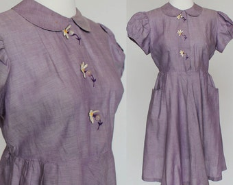 60's Cotton Shirtwaist Dress / Button Front / Purple / Daisy Trim / Small