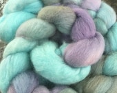 Hand painted spinning fiber - Merino wool roving - Azure sea - 4.0 ounces