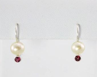 Pearl Drop Ear w-Stone (Garnet)