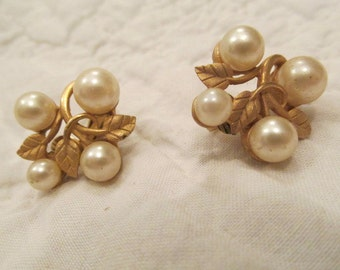 Vintage Earrings Marvella Clip ons with faux pearls