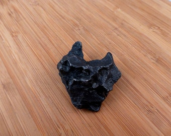 Sikhote-Alin Iron Meteorite nice shape/ Shooting star