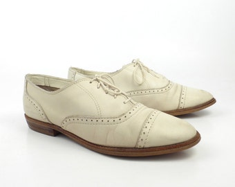 White Oxford Shoes Vintage 1980s WoMens Cream Off Leather Mountain