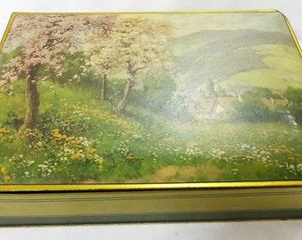 Old Nabisco tin NBC 1940s vintage housewares collectible box scenic picture