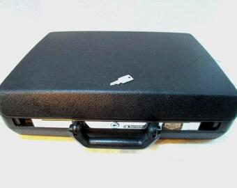 Vintage Briefcase w/ Key Samsonite Delegate Attache Laptop Case Hard Side Black Grad Business Exec Detective Lawyer Sales Teacher James Bond