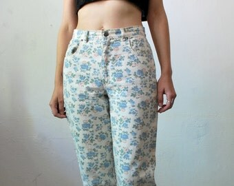 SALE...80s 90s high waist floral jeans. peg leg pants. cropped jeans - small to medium