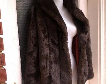VintaGE 70s Scrumptious  Dark Brown FAUX mink fur ladies Fall winter Cape size large