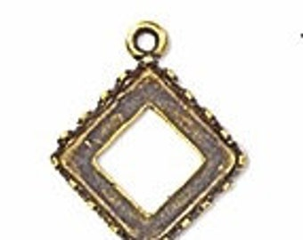 4 10mm square setting in Gold