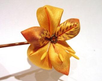 Peruvian Lily Hair Ornament
