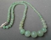 Vintage Light Green Natural Jade Necklace Free Shipping To The Usa And Canada