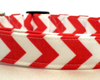 Candy Cane Chevron Red and White Zig Zag Stripe Dog Collar
