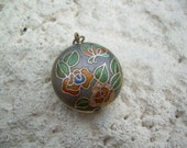 Adorable Little Vintage Cloisonne  round pendant or charm, So cute and small, great for alteres art floral design