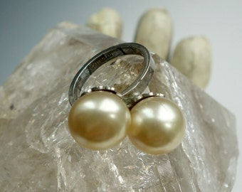 Vintage Glass Pearl Sterling Ring