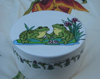 The Frog Box 4.5 Inch Ceramic Button /Jewelry/Paperclip Box