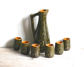 Mid Century Ceramic Pitcher Set Green Wood Texture Six Shot Glasses