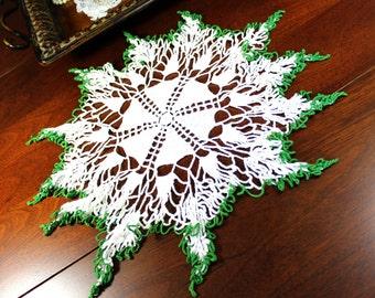Crocheted Doily, Vintage Crochet Doily,  White with Green Tips, Star Border, Vintage Linens 12760