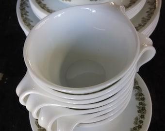 Vintage Corelle Daisy Dinnerware