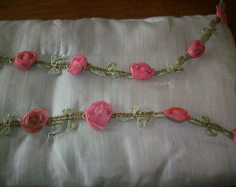 1 foot of this beautiful ribbon work in a  silk garland with metal