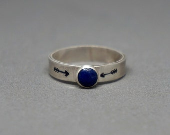 silver lapis ring - sterling silver stamped arrow gemstone ring - size 6