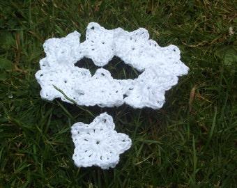 50 white crochet stars