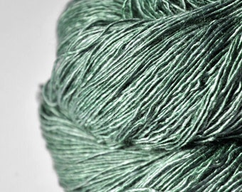 Glass frog - Tussah Silk Fingering Yarn