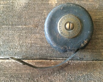 Vintage Chesterman Tape Measure Sheffield England // Leather Case // Metal Measuring Tape // 25 Ft