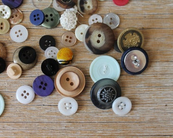 Vintage Button Collection // Lot of Assorted Vintage Buttons