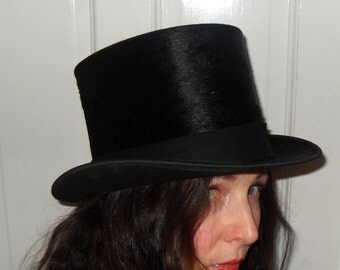 Parisian SILK  Top Hat . Beautiful condition.53cm