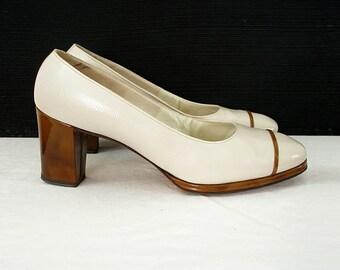 Vintage 1960s Cream Pumps Ivory Tortoise Look High Heel Shoes /  U. S. 7 B