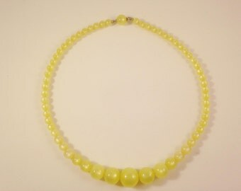 Yellow Moonglow Lucite Choker Necklace, Vintage Jewelry, Beaded Necklace, Vintage Choker, Lucite Necklace, Moon Glow Necklace, Beaded Choker