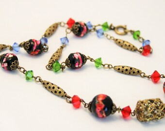 Vintage Venetian glass bead necklace. Dainty necklace