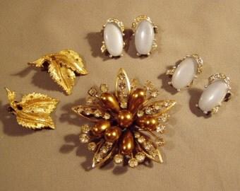 Vintage Kramer Signed Rhinestone Faux Pearl Flower Pin Brooch 3 Pairs Clip Earrings 8077