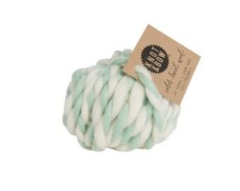 Mint Color Twist Wool / 10 Yards