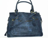 Leather handbag tote // Leather handbag cross-body bag Rina XXL in vintage dark blue fits a 17 inches laptop