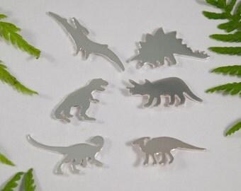 Argento orecchini di dinosauro: un set di 6 di dinosauro a forma di orecchini in argento sterling.